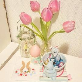 Stickdatei Hase mit Blumenranke 10x10